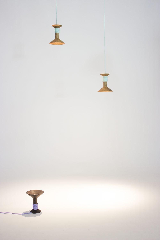 eigenart Designstudio-designleuchte-schöne Leuchte-puristisches Design-Textilkabel-Geradliniges Design-Garnrolle-Eiche